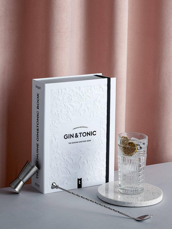 Packaging, jigger y gin tonic